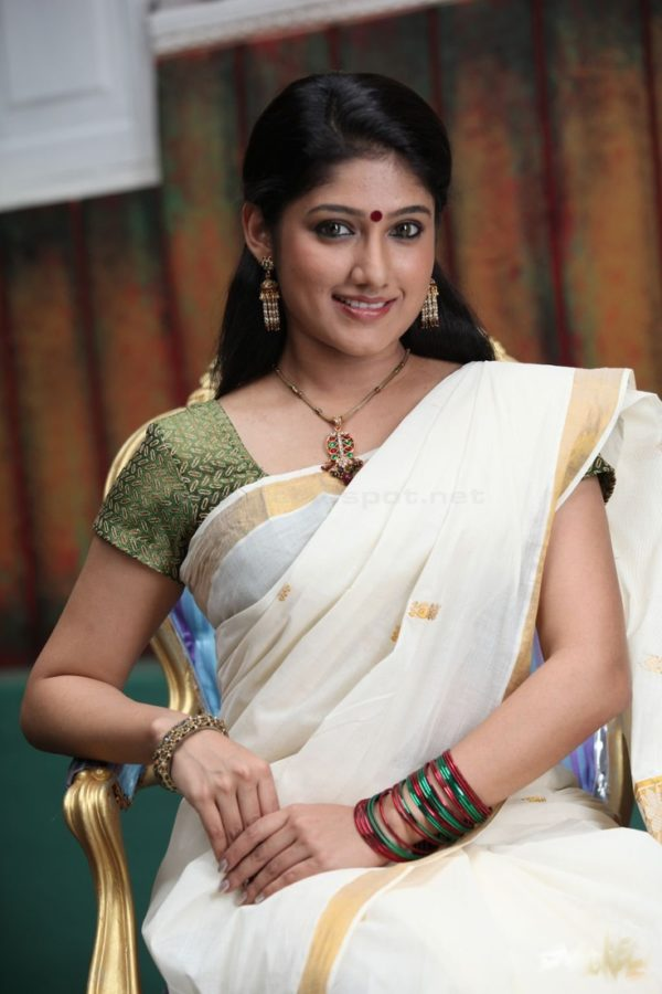 Actress Kerala Traditional Dress (1)