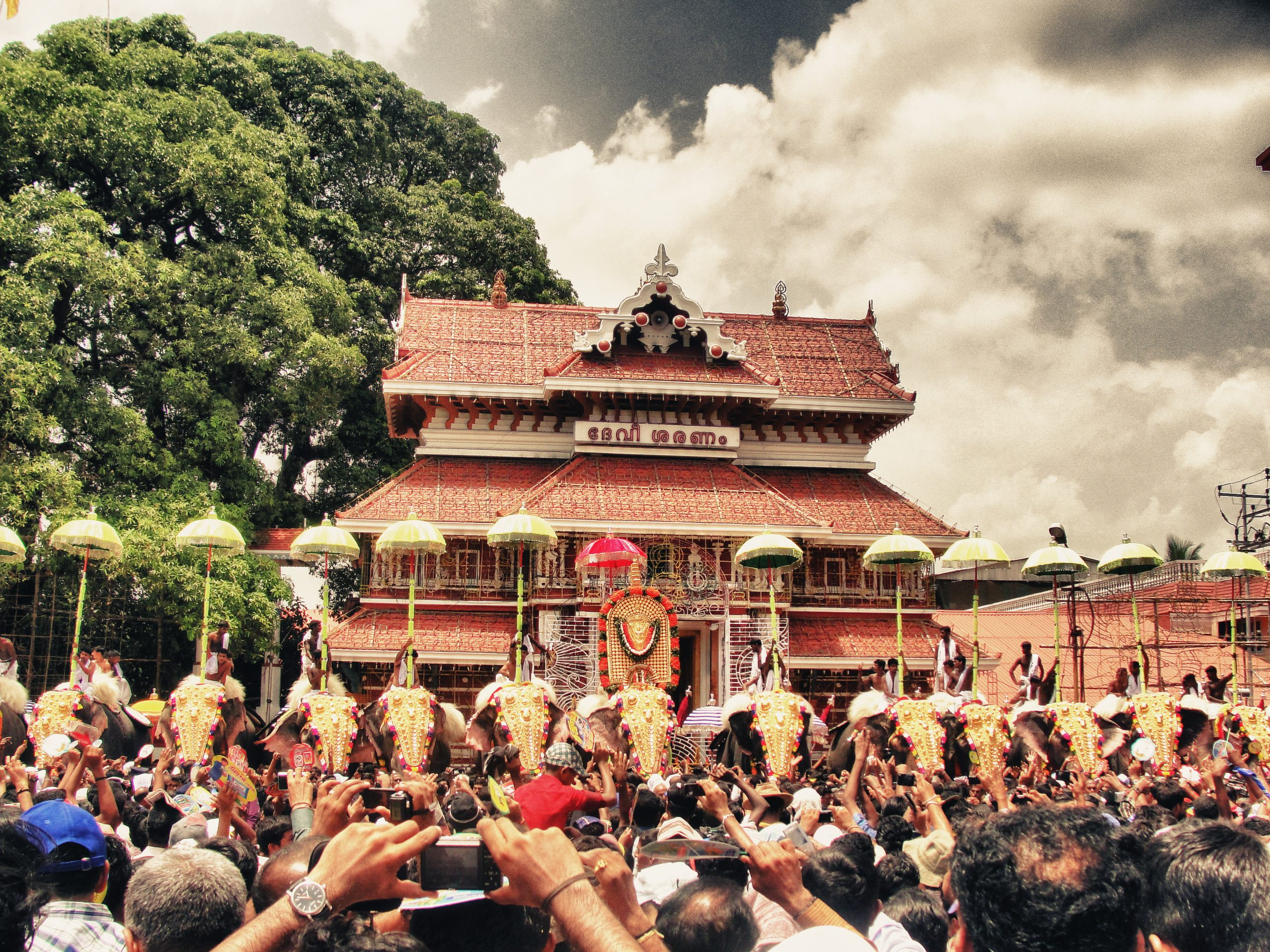 thrissur_pooram_by_nealva-d3gb5up
